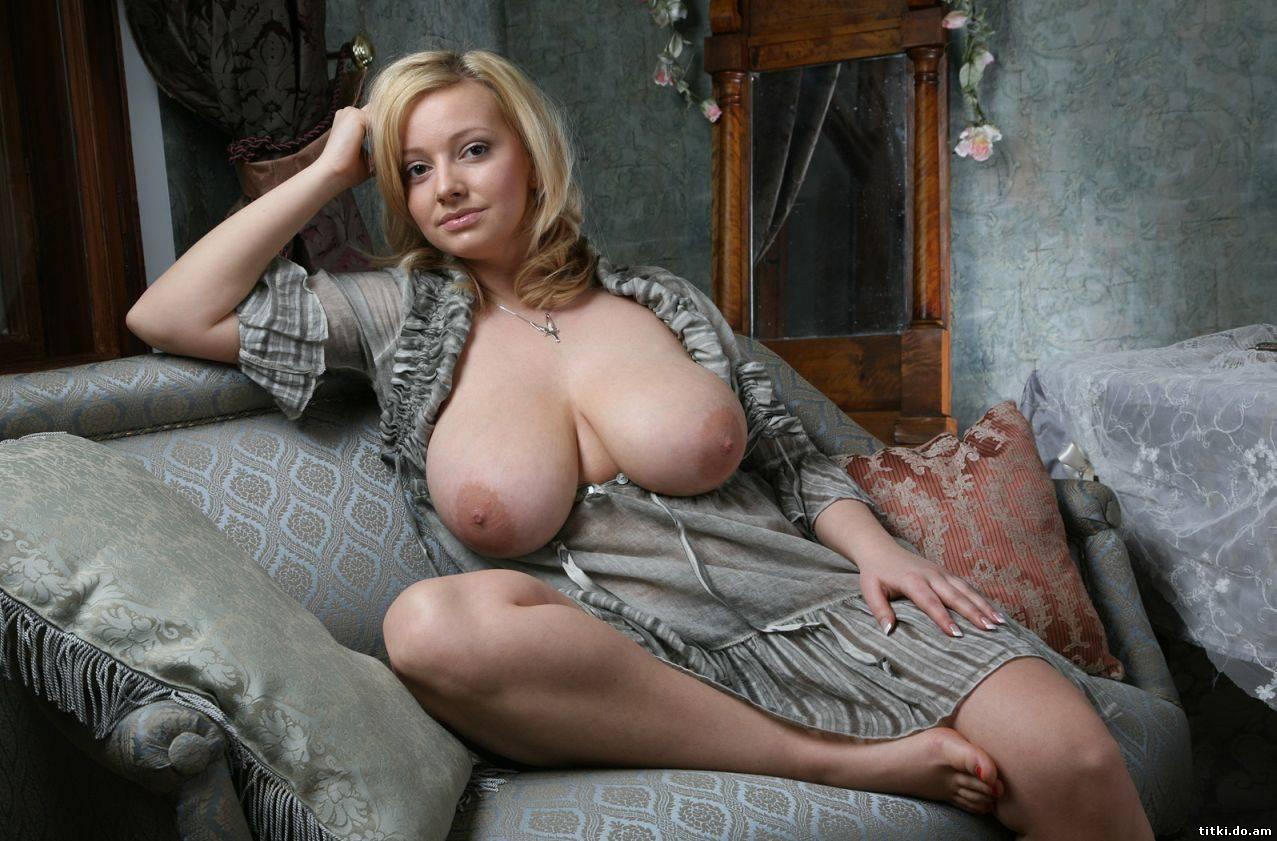 Фото сисек мамки, Фотки мамок с красивой грудью - секс порно фото 9 фотография